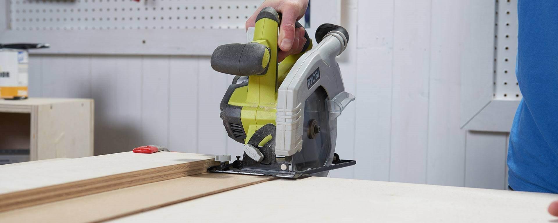 Fabriquer un meuble tv en bois contreplaqu - Fabriquer un chevalet pour couper le bois ...